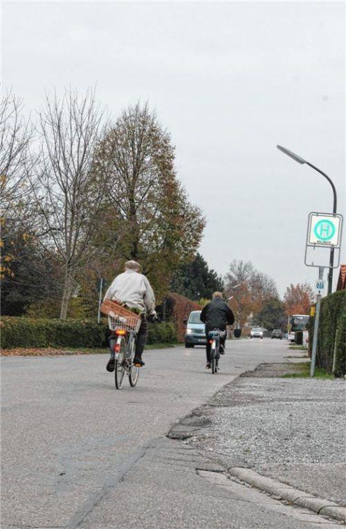Die Wendelsteinstraße in Großkarolinenfeld soll ausgebaut werden – auch im Sinne der Radfahrer.Foto Heinz