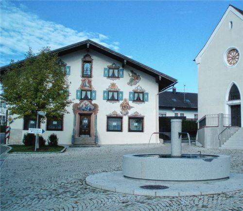 Der Dorfplatz in Hochstätt: Bei zukünftigen Bauvorhaben im Innenbereich des Dorfes soll das Ortsbild erhalten bleiben.Foto heinz