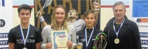 Silbermedaille im U19-Wettbewerb für den RSQV. Von links: Michael Androczky, Julia Stöger, Benedikt Friedel und Erwin Friedel.