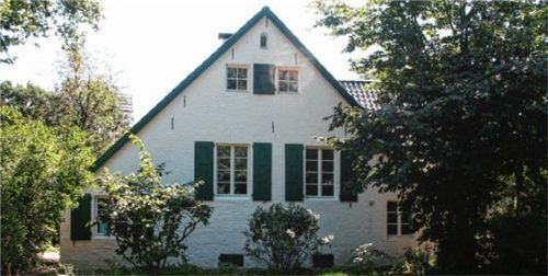Die Holzfenster im Haus Arians entsprechen den modernsten energetischen Anforderungen.Foto Frovin