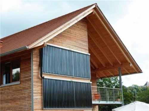 Haus mit Solarwärmeanlage. Foto epr/Paradigma
