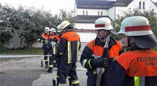 Ramsauer Feuerwehrler bestehen Prüfung