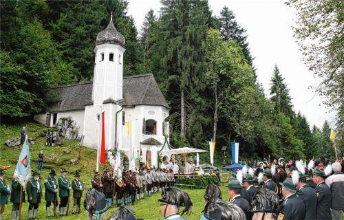 Traditionsreicher Bittgang: die bayerisch-tirolerische Wallfahrt zur Ölbergkapelle.Foto Jochen Moll