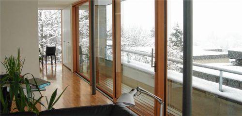 Moderne Fenster sparen Energie und bringen mehr Komfort und Sicherheit. Foto  Bundesverband ProHolzfenster/Schillinger