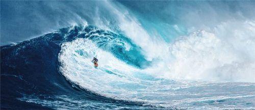 Das ist die perfekte Welle – Tolle Surf-, Tauch- und Kletterspots in Europa warten nur darauf, von Aktivurlaubern erkundet zu werden.