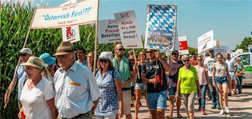 Angst und Sorge um die Heimat: Großdemo mit rund 2000 Teilnehmern bei Rohrdorf. Foto thomae