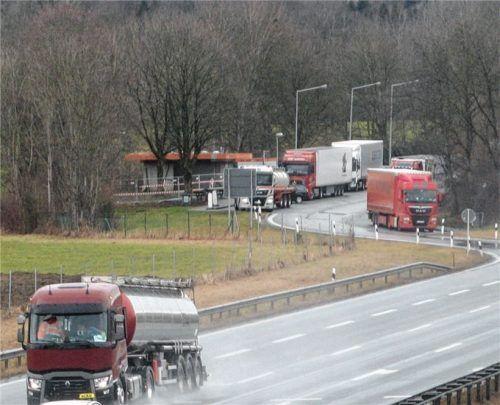 """Für den Parkplatz """"Eulenauer Filz"""" müsste – wie auch für den Parkplatz """"Im Moos"""" – das Dreifache des jetzigen Parkplatzes an Landwirtschaftsfläche geopfert werden."""