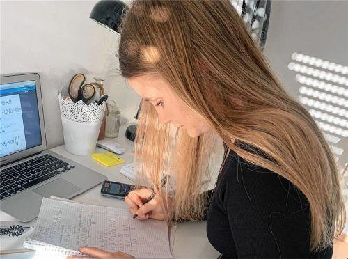 Erst einmal reisen, hat sich Sarah Kramer vorgenommen, Ziele sind Norwegen oder Island. Davor möchte die 17-Jährige aus Prien noch Geld verdienen und dann soziale Arbeit studieren. Auch wenn der Plan für die Zeit danach recht großzügig angelegt ist, Sarah möchte bis zum Abitur einen konkreten Zeitplan haben. Foto Kirchner