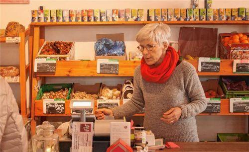 Renate Nitzinger im gleichnamigen Demeter-Hofladen in Eggstätt. Foto Kirchner