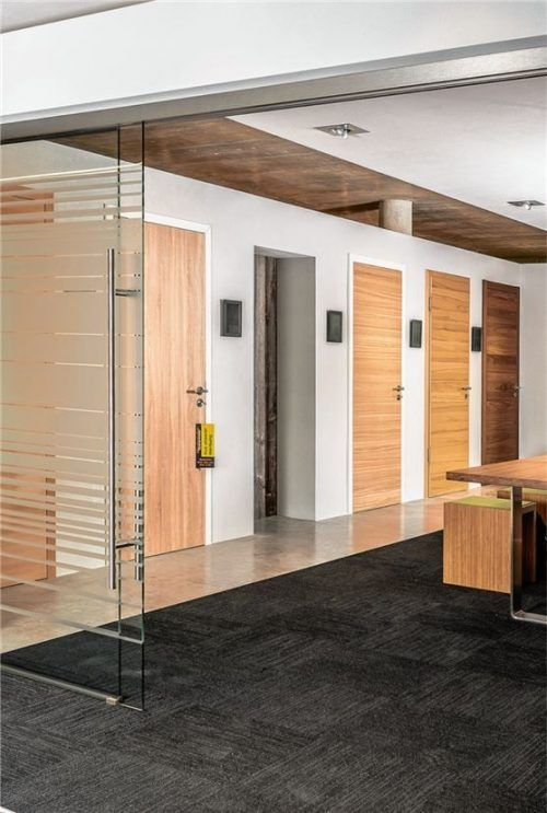 Auch Fachhändler für Bauelemente bieten Click & Collect an. Foto Niedermaier Fenster und Türen