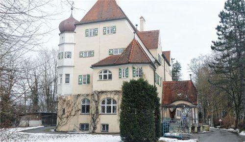Neun von 23 Bewohnern auf Schloss Malseneck sind positiv. Foto  Bachmaier