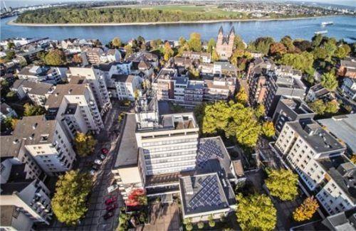 Die Stadt Wesseling am Rhein ist eine der vier Partnerstädte Traunsteins. Alle drei Jahre vergibt Wesseling einen Kunstpreis. Foto Reiner Diart/Stadt Wesseling