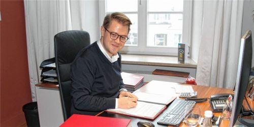 Es wird nicht einfacher: Die Steuereinnahmen sind in einem einstelligen Prozentbereich zurückgegangen, sagt Mühldorfs Bürgermeister Michael Hetzl.Foto Bauer