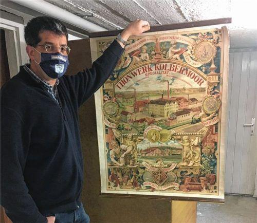Etwas ganz Besonderes: Dieses rund 120 Jahre alte Tonwerk-Werbeplakat wurde kürzlich im Museum abgegeben.