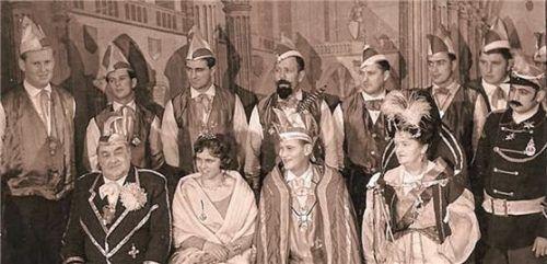 Im Film werden Ausschnitte wie hier vom Fasching 1961 unter Präsident Josef Kuchler (vorne links), gezeigt. Mittig ist das Prinzenpaar Bert Summerer und Franziska Rainer zu sehen. Foto RE