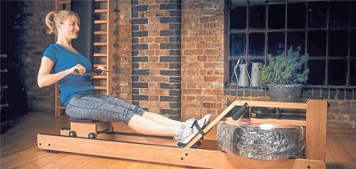 Trainieren zu Hause ist praktisch und sicher. Allerdings muss man einiges an Vorgaben beachten. Foto Adobe Stock/Peter Atkins/BHW Bausparkasse