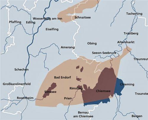 Wie ein dicker Fisch, gestrandet zwischen Chiemsee und Simssee: die farbig markierte Fläche, in der eine Endlagerstätte denkbar wäre. klinger