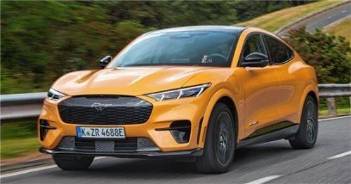 Besondere Ausstattungsdetails sind unter anderem die 20-Zoll-Leichtmetallräder und die exklusiven Karosserietöne Cyber Orange oder Atoll-Blau Metallic. Foto Auto-Medienportal.Net/Ford