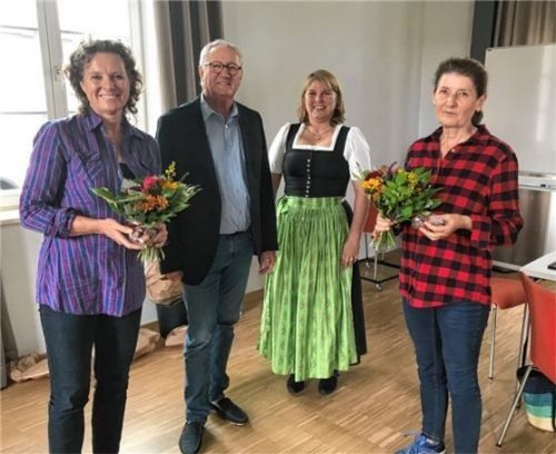 Der neue Vorstand der Nachbarschaftshilfe Kolbermoor: (von links) Dr. Susanne Kustermann, Nikolaus Kannengießer, Geschäftsführerin Gertraud Schiffer und Dr. Ute Lellig. Fotos re