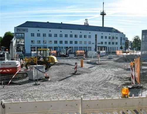 Die Neugestaltung des Südtiroler Platzes soll voraussichtlich im kommenden Jahr beendet sein. Foto Schlecker