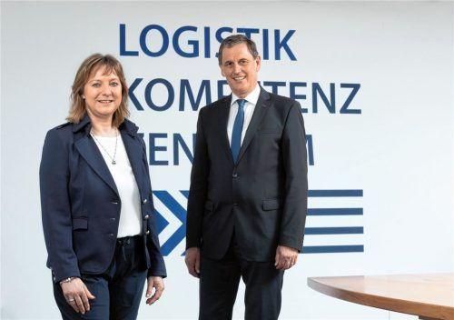 Dr. Petra Seebauer ist die neue Geschäftsführerin des Logistik-Kompetenz-Zentrums (LKZ) Prien. Vorgänger Karl Fischer wird sie in einer Übergangsphase bis Mitte 2022 einarbeiten. Foto Berger