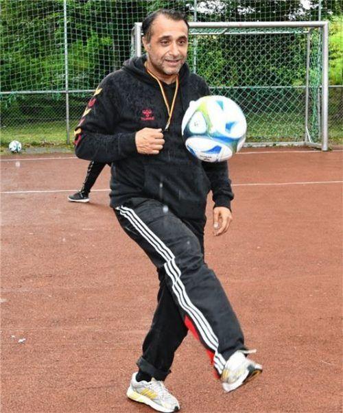"Ein begeisterter Fußballspieler: Özgür ""Özi"" Yildirim aus Rosenheim."