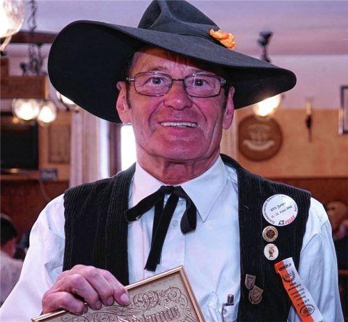 Ein Zimmerer mit Leib und Seele: So kannten die Leute Franz Stenger aus Kraiburg. Im Alter von 83 Jahren ist der Unternehmer, Familienmensch und Freund der Vereine verstorben. Foto  Meling
