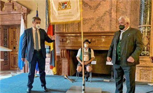 Eindrücke von der Fahnenübergabe des Bayerischen Ministerpräsidenten an den Bayernbund mit dem Landesvorsitzenden Sebastian Friesinger. Foto Hötzelsperger