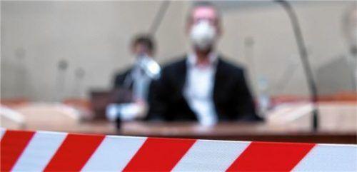 Muharrem D. auf der Anklagebank im Verhandlungssaal. Bei der Verkündigung des Strafmaßes zeigte er keine Regung.Foto  dpa/Archiv