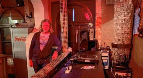 Noch ist der Plattenteller leer: Doch die ersten DJs sind schongeblockt, wenn es im Herbst endlich wieder losgeht im Uschihaus.