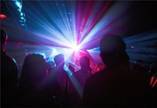 Ob Geimpfte im Herbst wieder in Diskotheken tanzen werden? Das ist jedenfalls der Plan von Markus Söder. Foto dpa