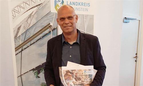 Werner Fertl ist Beauftragter für Senioren und Menschen mit Behinderung im Landkreis Traunstein und berichtete im Kreistag von seinen Aufgaben und anstehenden Projekten seines Fachgebiets. Foto Kretzmer-Diepold