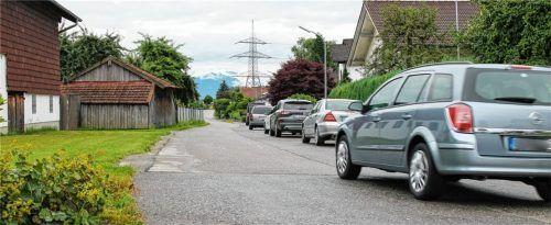 Zu gerade, zu übersichtlich: Die Marienberger Straße entspricht nicht den rechtlichen Kriterien für eine Tempo-30-Beschränkung. Foto heinz