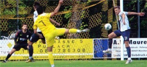 Der Schuss zum 1:0 von Max Zander wurde unhaltbar für TSV-Torwart Dominic Zmugg abgefälscht.