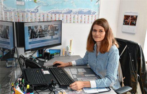 Die 29-jährige Sozialpädagogin Anna Paul steht neuerdings jeden letzten Donnerstag im Monat für Sprechstunden für Jugendliche mit Migrationshintergrund bereit. Foto Schlecker