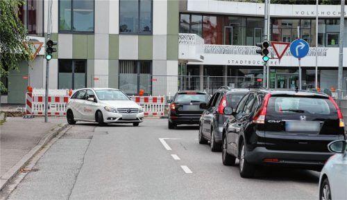 Geht es nach Christian Demmel, soll es den Autofahrern hier möglich sein, auch nach links abzubiegen. Fotos Hadersbeck
