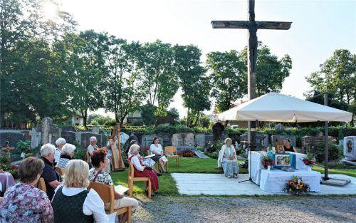 In den Liedern und Gebeten wurde die Gemeinschaft für alle spürbar. Foto RE