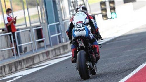 Jonas Folger startet in Spanien auf einer Strecke, die neu im Rennkalender ist.Foto BMW Motorrad Motorsport