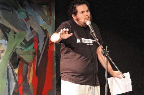 """Thomas Eiwen aus Stephanskirchen steht nicht nur selbst bei Poetry Slams, also modernen Dichterwettbewerben, auf der Bühne. Er organisiert auch die """"Rosenslams"""" bei der Theaterinsel Rosenheim. Foto Privat"""