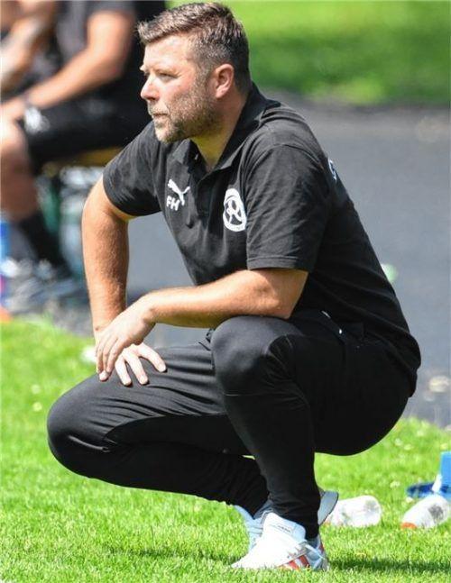 Trainer Florian Heller musste mit 1860 Rosenheim die vierte Niederlage am Stück hinnehmen.Foto Sportphoto Zink