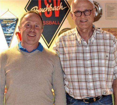 Vorsitzender Erwin Bierofka (rechts) mit dem neuen Zweiten Vorsitzenden Sepp Kupper.Foto  Rampl