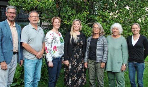 An der Vereinsspitze (von links) Andreas Penninger, Rolf Kehr, Kerstin Illanes Céspedes, Peggy Behrendt, Christine Hugues, Ursula Wisuschil und Dr. Nina Schwenzer. Foto re