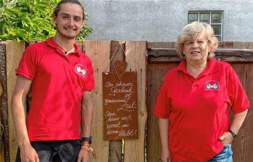 Das Bedürfnis, anderen Menschen zu helfen, verbindet die ehrenamtlichen Mitarbeiter der Nachbarschaftshilfe Tuntenhausen. Maxi Berger ist mit 18 Jahren der jüngste Helfer, Berta Weber mit 72 Jahren die älteste aktive Helferin. Foto Gerlach