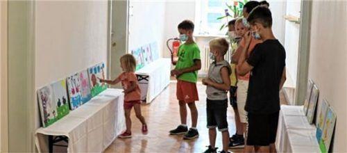 Das bunt gestaltete Memoryspiel begeistert seit August große und kleine Besucher in den Räumlichkeiten der Alten Rathausstraße 11.Foto Prien Marketing GmbH