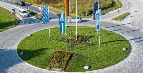 Der neu gestaltete Feldener Kreisel. Foto Berger