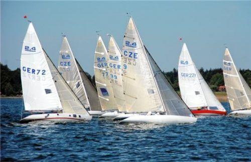 Die 2.4mR-Boote segeln die internationale deutsche Meisterschaft am Chiemsee aus. Foto Niessen
