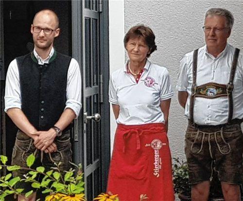 Die Bräufamilie am Tag der Einweihung der neuen Brennblase: Martin Hartinger junior, Annemarie Kammhuber-Hartinger und Martin Hartinger.Fotos  Friedrich
