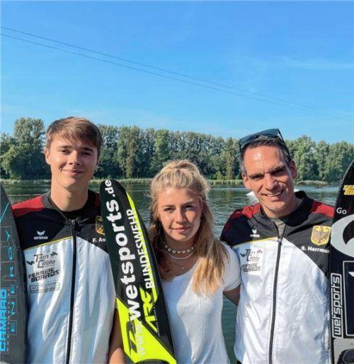 Die Kiefersfeldener WM-Teilnehmer von links: Felix Astner, Jana Meier und Simon Herrmann. Foto WSCKR