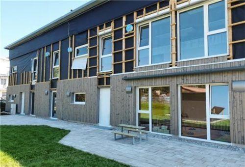 Die modulare Container-Lösung kostet die Stadt Kolbermoor 2,8 Millionen Euro.