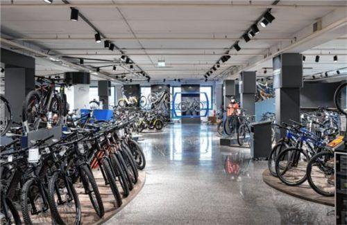Eine große Auswahl an E-Bikes und kompetente Beratung gibt es beim Sportfachgeschäft IKO in Raubling. Foto iko/linus lintner